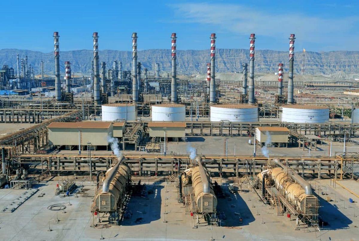 انعقاد توافقنامه همکاری بین شرکت نفت ستاره خلیج فارس و صندوق ملی محیط زیست