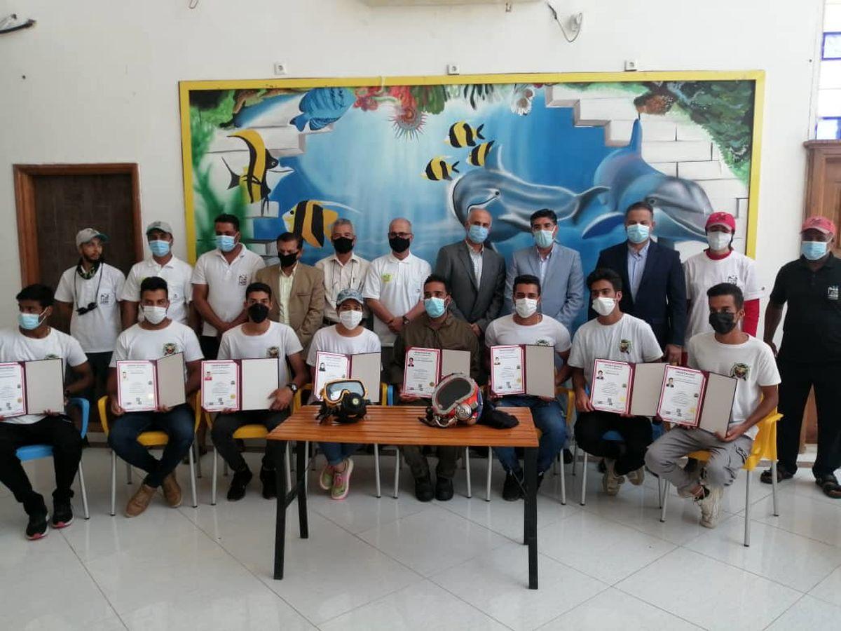 برگزاری دوره آموزشی غواصی صنعتی برای اولین بار در قشم