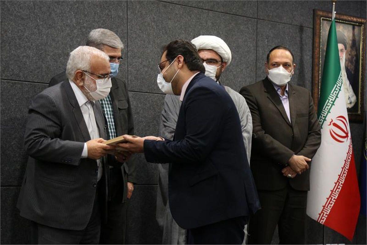 برگزاری نخستین آئین تجلیل از نخبگان و خادمان قرآنی کمیته امداد