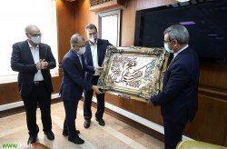 قدردانی از غلامحسین مظفری در سازمان منطقه آزاد کیش